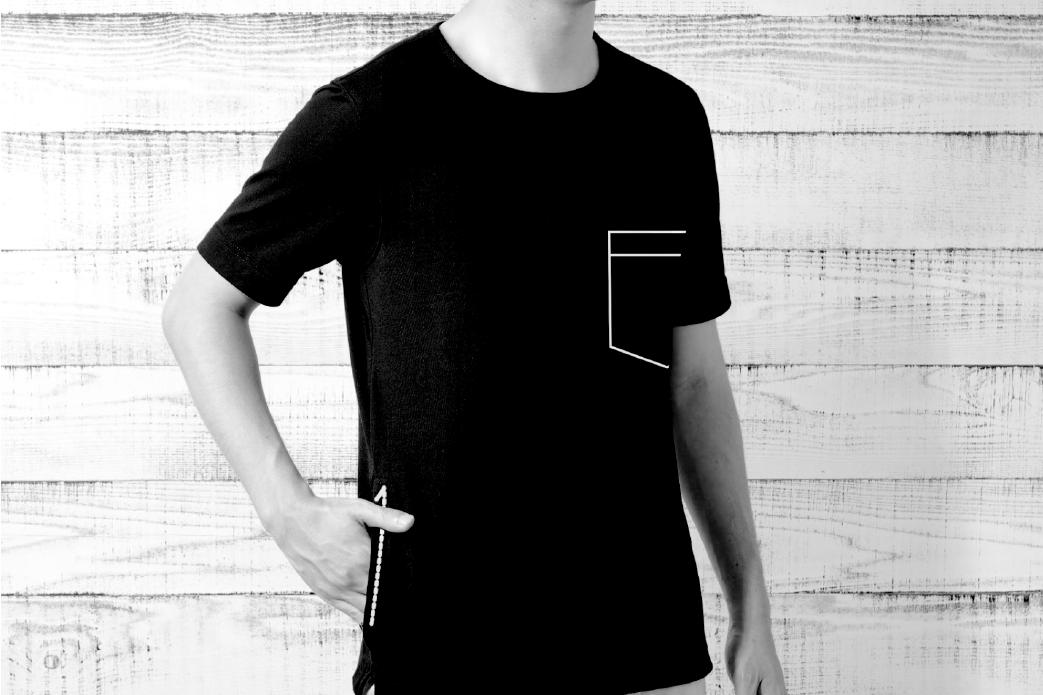 右利きTシャツ
